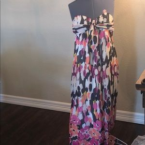NWT Beautiful flower dress